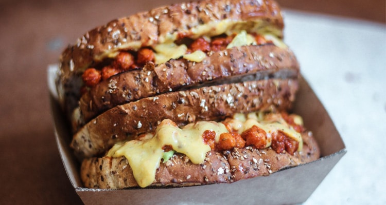 Chilli Chickpea Sandwich with Cheesy Sauce