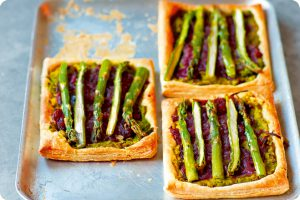 asparagus, minted pea and caramelised red onion tart pastry