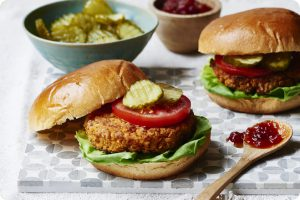 burgers with chickpeas and tomato chutney