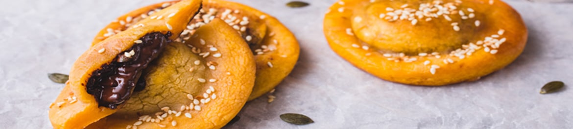 Pumpkin Cakes with Spiced Mango Purée